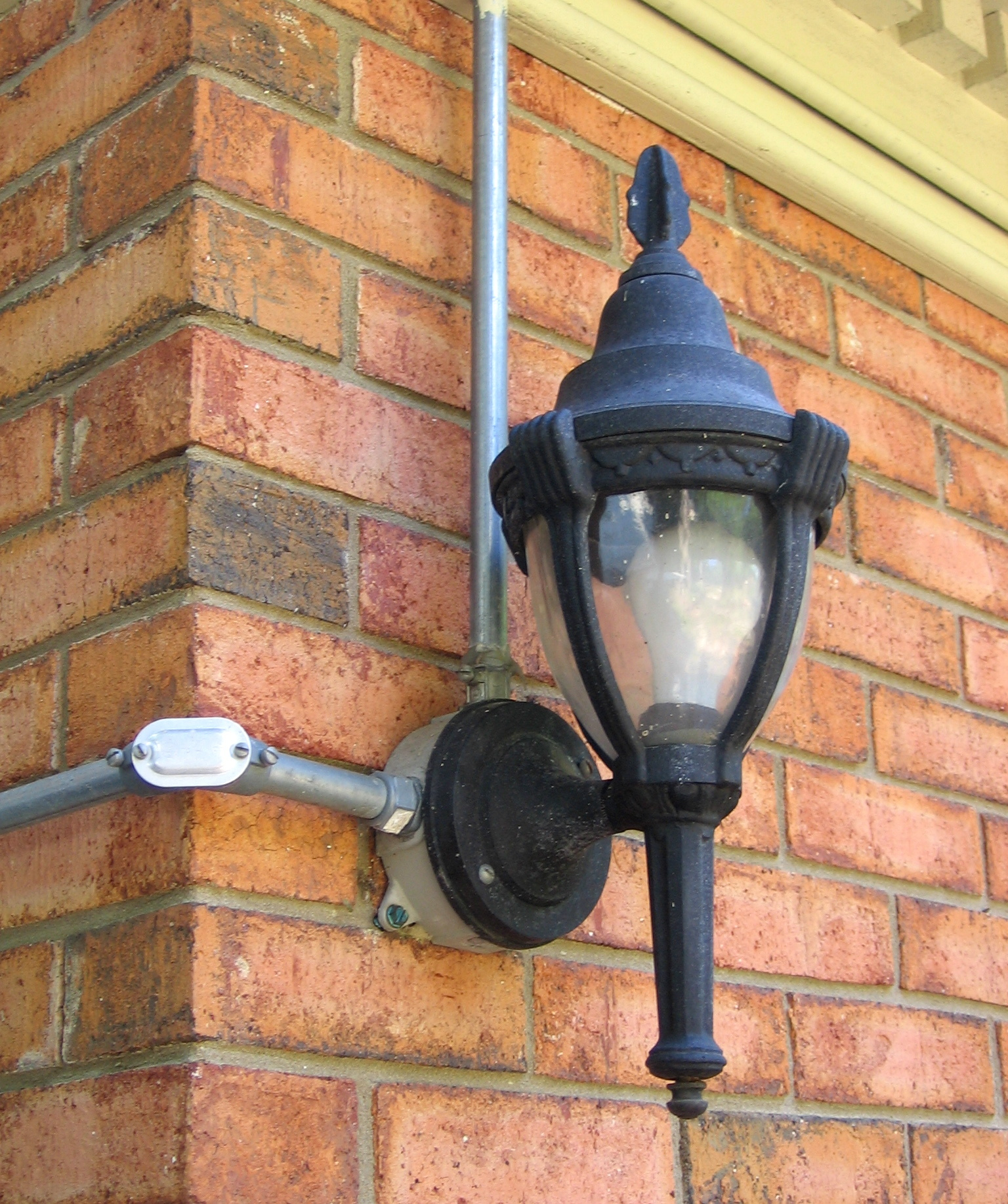 Dulley column color graphics photo when installing outdoor securityentertainment lighting always follow local electric codes this installation uses rigid steel conduit arubaitofo Gallery