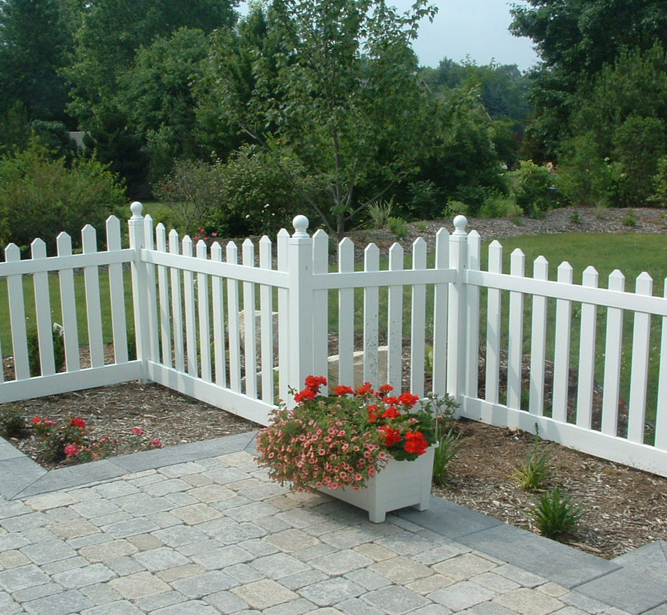 Dulley column color graphics photo a vinyl picket fence with a concave top detail can help to slow the direct force of winter winds photo credit genova products baanklon Images